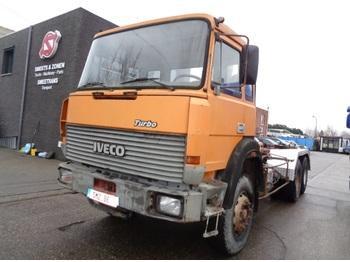 Containertransporter/ wissellaadbak vrachtwagen Iveco 330.36