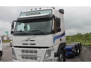 Volvo FM 8x2  - containertransporter/ wissellaadbak vrachtwagen