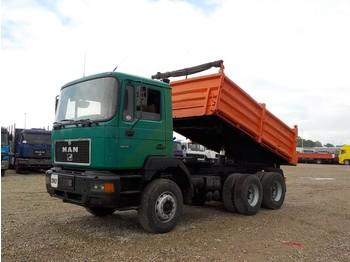 Kipper vrachtwagen MAN 26.403 (BIG AXLE / STEEL SUSPENSION): afbeelding 1