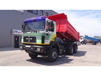 Kipper vrachtwagen MAN 33.403 (BIG AXLE / STEEL SUSPENSION / 6X6 / 6 CYLINDER ENGINE)