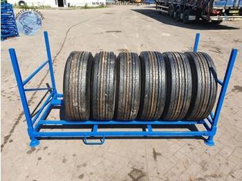 Bridgestone 305/70 R22.5 - шина