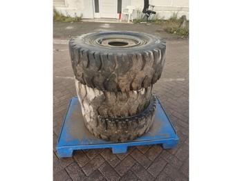 MICHELIN-BRIDGESTONE DUNLOP 300 - 15 - шина