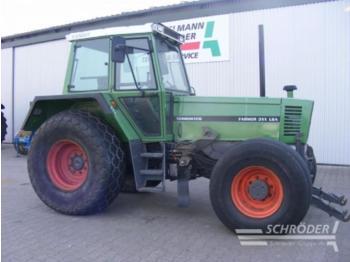 Fendt 311 LSA - zemědělský traktor