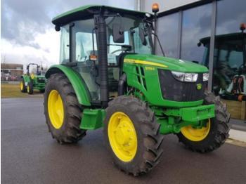 John Deere 5058E - zemědělský traktor