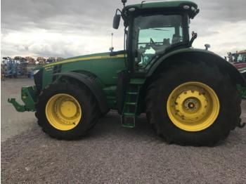 Zemědělský traktor John Deere 8370R