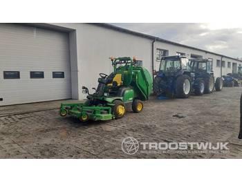 John Deere F1565 - zemědělský traktor