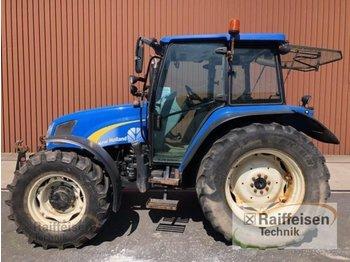 New Holland T5050 - zemědělský traktor