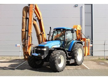 Zemědělský traktor New Holland TM155 met Mulag Gödde GZA 850S maaiarm / Ausleger