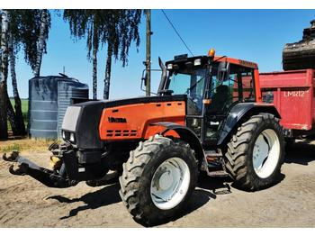 Zemědělský traktor Valtra 8550