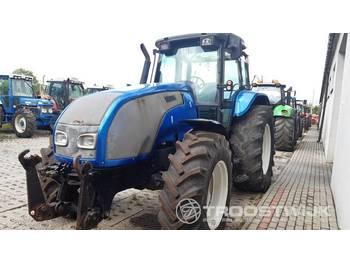 Valtra T120 - zemědělský traktor