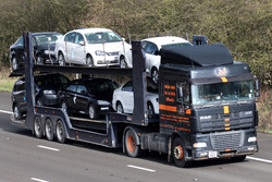 How to pick an autotransporter truck